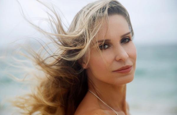 Paula Burlamaqui : atriz, que completa 50 anos e posa para ensaio