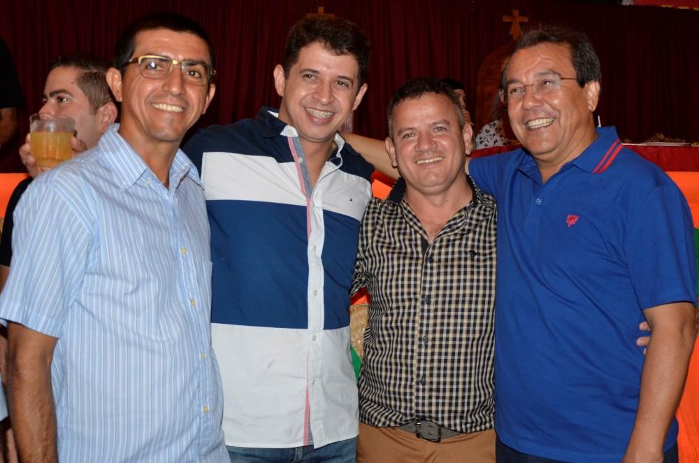 Aniversário de 65 anos de Água Branca - show com Léo Magalhães e Chicabana reúne milhares de pessoas