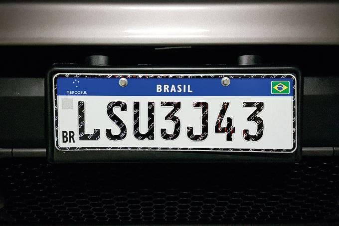 Placas no padrão Mercosul serão obrigatórias a partir do dia 31 de janeiro
