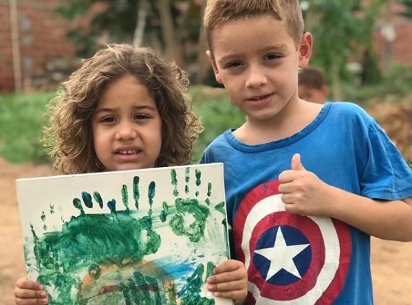 Isaac com a irmã Reprodução Instagram/ Neyara Pinheiro
