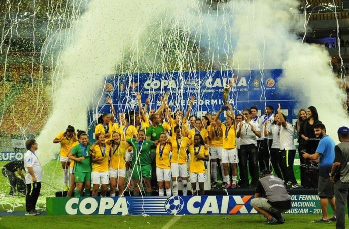 Brasil goleia Itália e é hepta campeão de torneio internacional, na despedida de Formiga