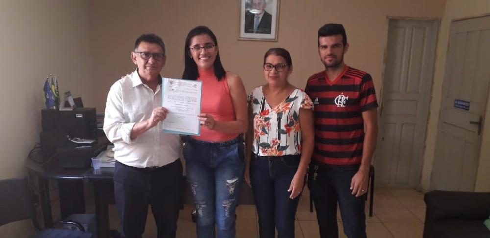 Lagoa do Sítio   Prefeito Antônio Ditoso empossa nova diretora da UBAS
