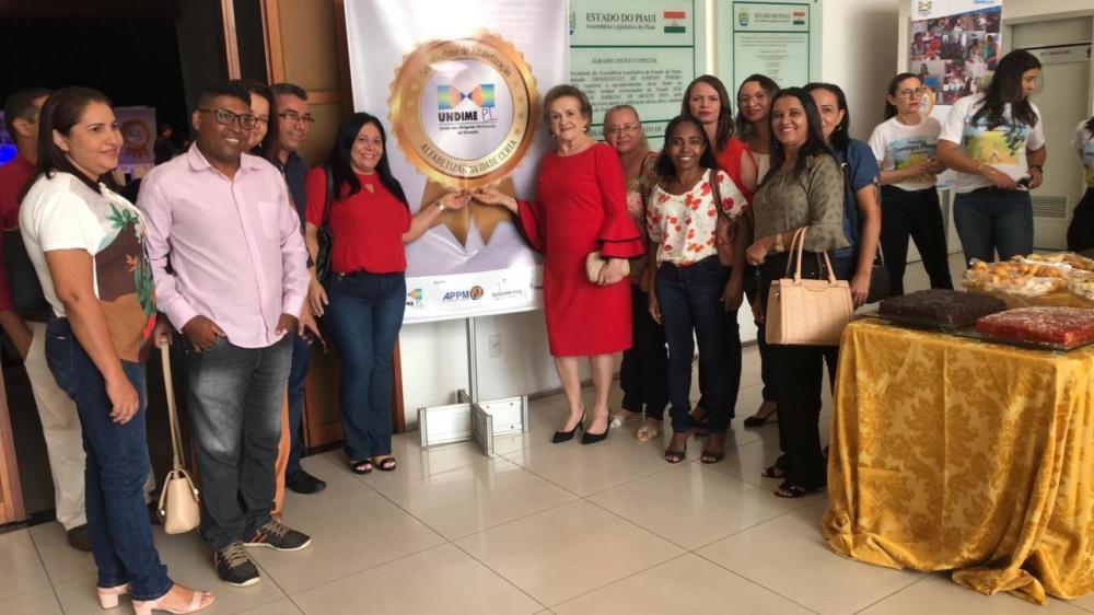 Educação de Angical do Piauí recebe Selo de Qualidade da Undime