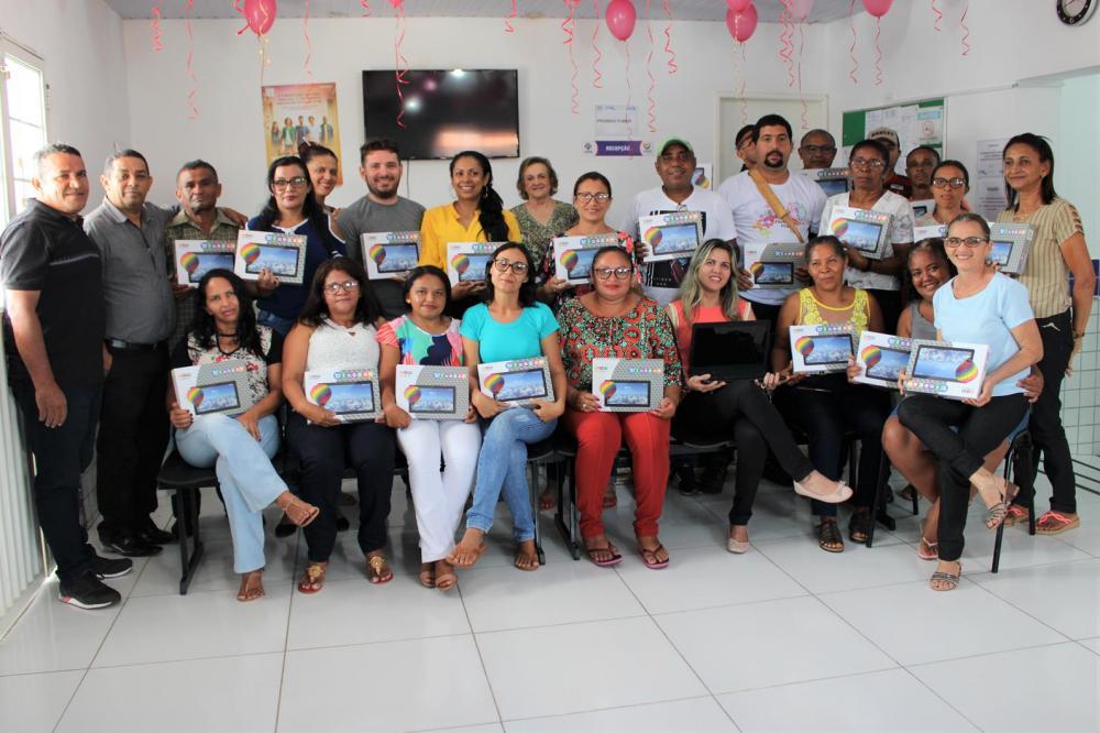 Prefeitura de Angical do Piauí faz entrega de tablets para Agentes Comunitários de Saúde e Endemias do município