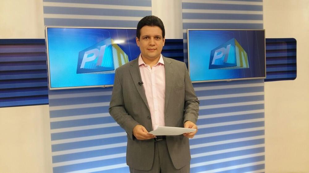 Jornalista Marcelo Magno no PITV 1 — Foto: Foto: Divulgação