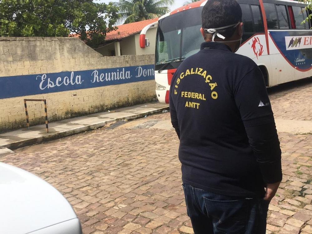 Agência intercepta diversos ônibus vindos de São Paulo em municípios do Piauí