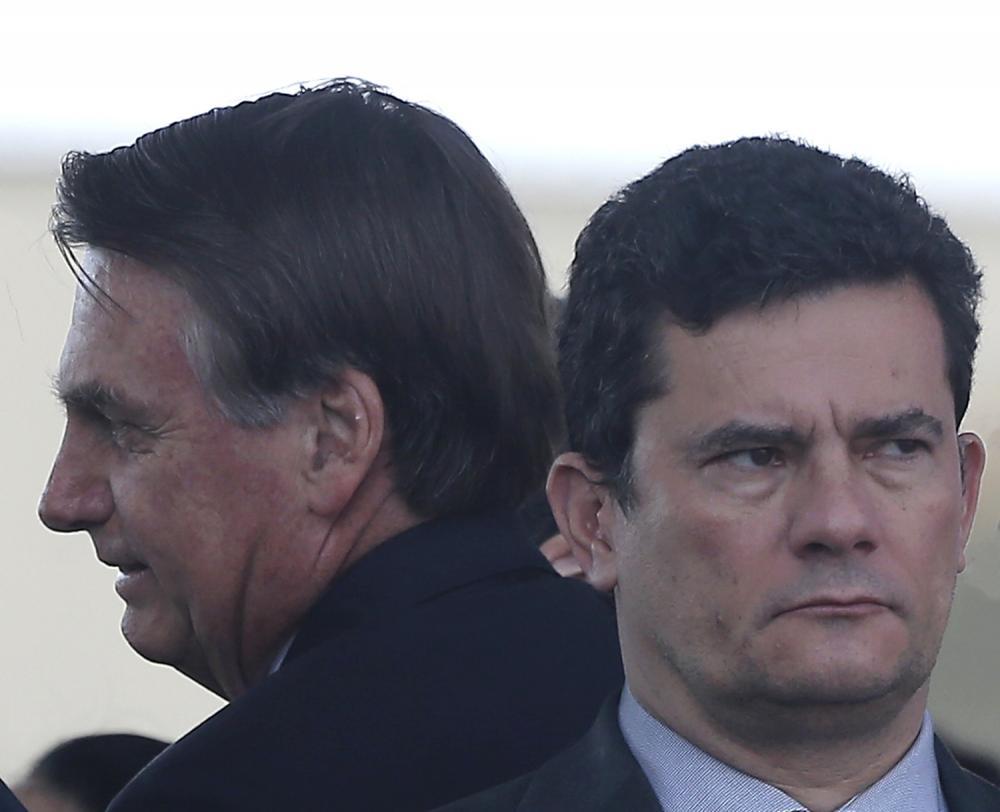 Bolsonaro tenta impor troca na PF e Moro avisa que deixará o governo