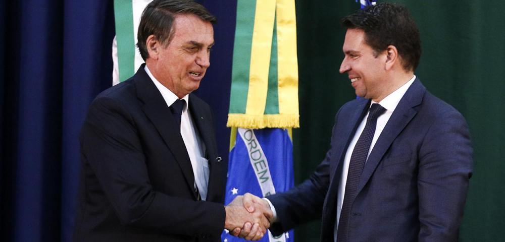 Ministro do STF suspende nomeação de Alexandre Ramagem para PF