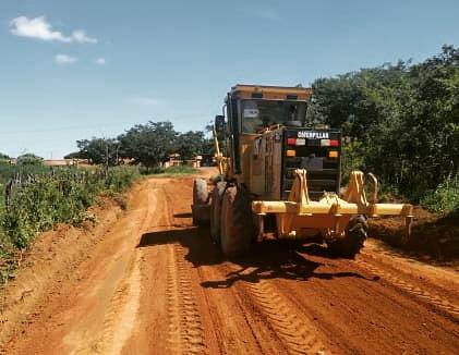 Secretaria de Obras segue trabalhando na manutenção e ampliação de estradas vicinais na zona rural