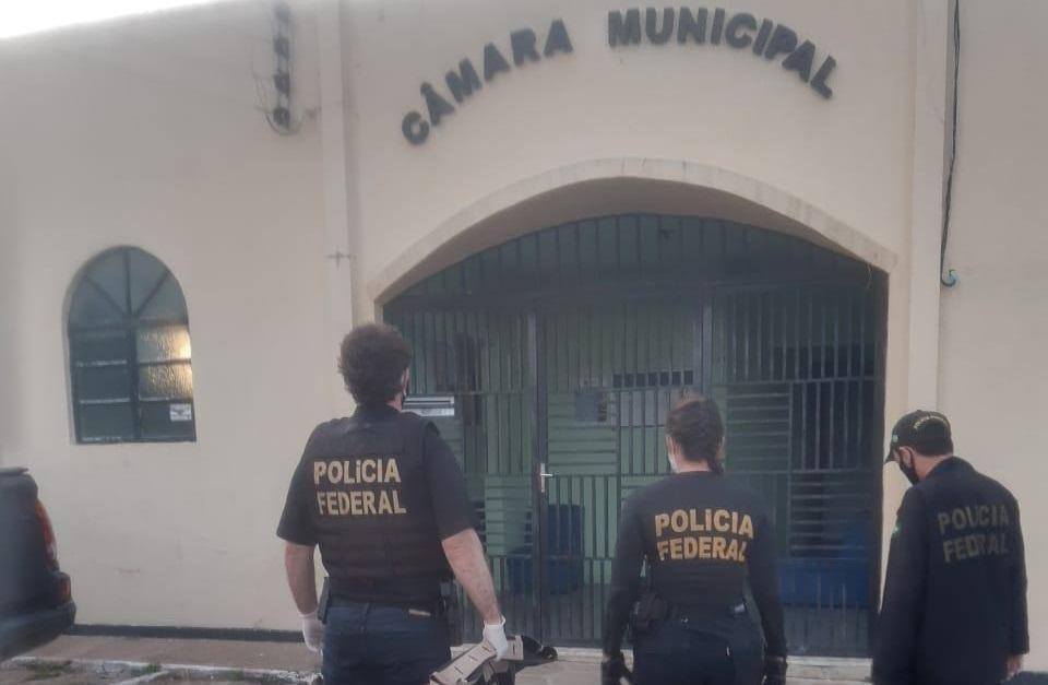 Polícia Federal prende vereador e servidores da Prefeitura de União