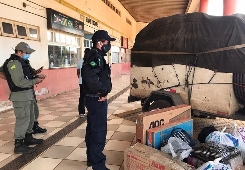 Van irregular é apreendida no Piauí com 14 passageiros de São Paulo