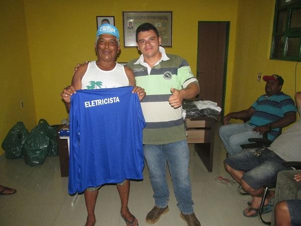 Prefeitura de Agricolândia realiza entrega de uniformes para diversas áreas do município
