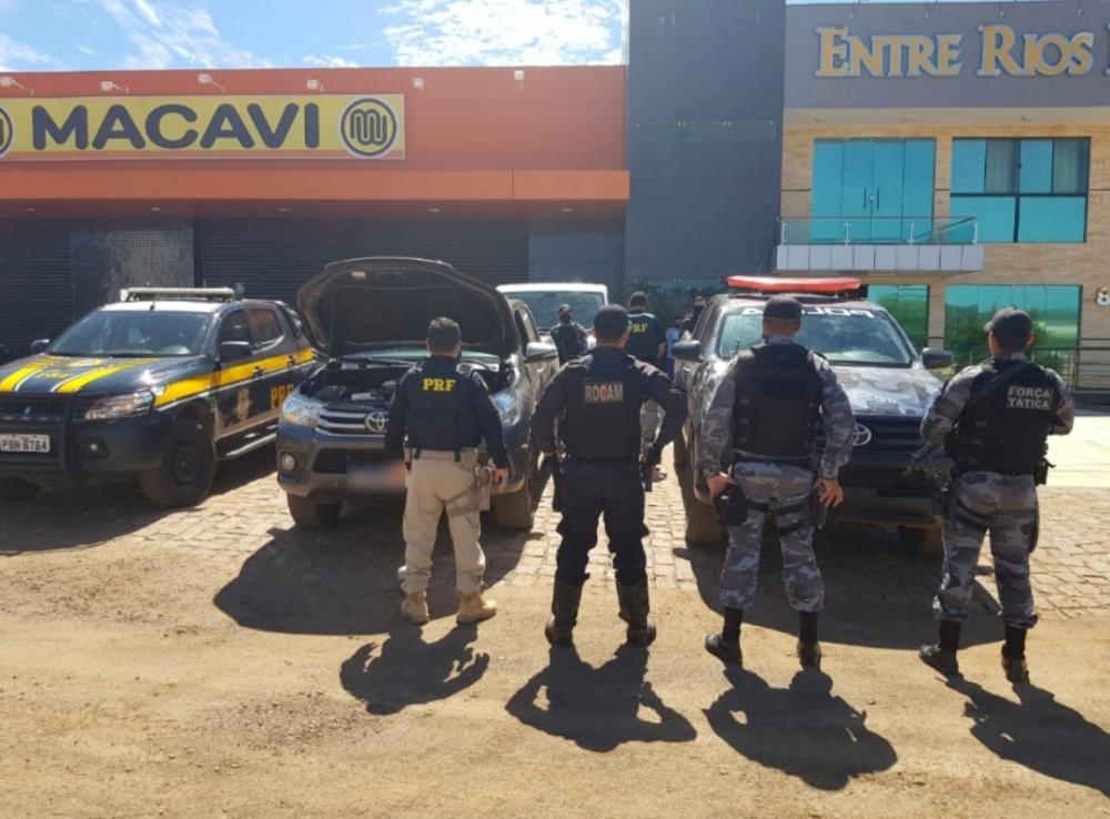 Casal suspeito de estelionato é preso na BR-316 com veículo adulterado