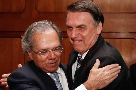 Bolsonaro aprova ajuda aos Estados e Municípios com veto a reajuste de servidores