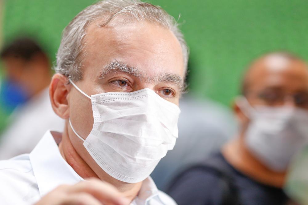 Firmino Filho apresenta 7 critérios para reabertura gradual do comércio
