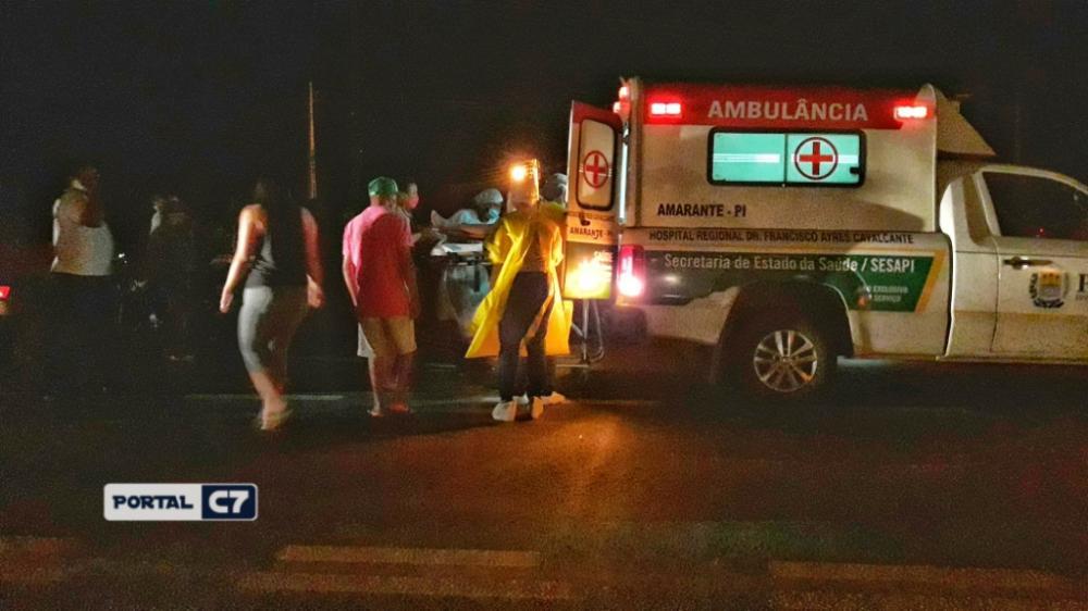 Acidente entre carro e moto deixa homem gravemente ferido em Amarante