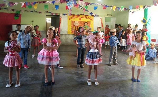 Escolas municipais de São Gonçalo do Piauí promovem Festa Junina com os alunos; veja imagens