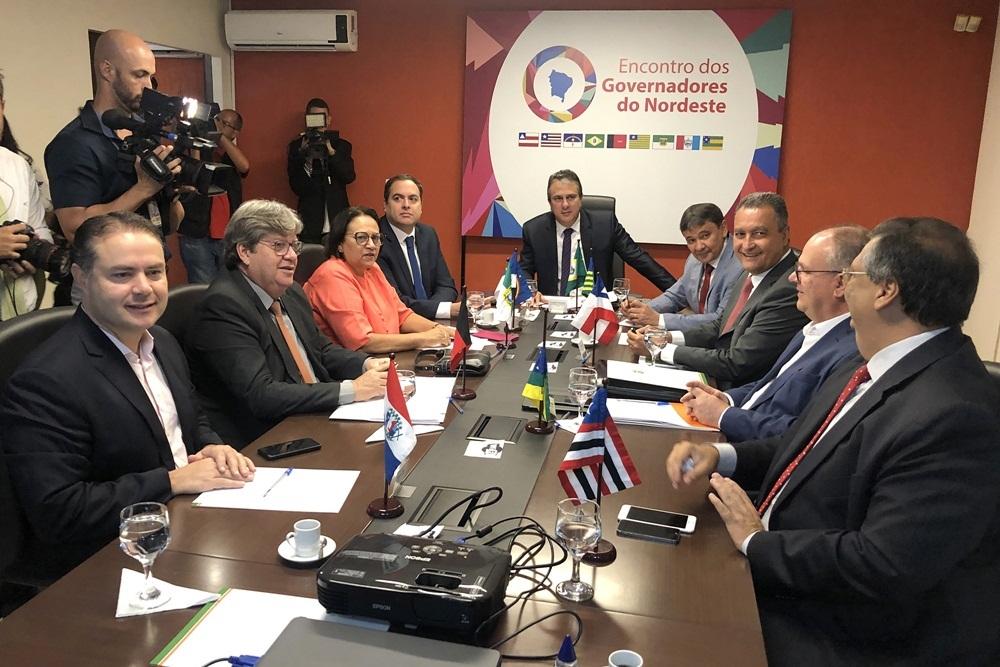 Em carta ao Presidente, governadores do Nordeste repudiam estímulo à invasão de hospitais