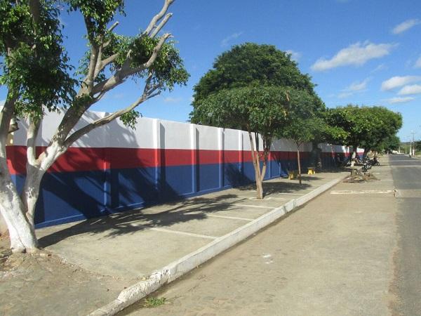 Escolas da rede municipal de ensino passam por reformas em Agricolândia