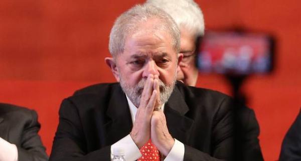Lula é condenado a 9 anos de prisão por Sergio Moro caso triplex