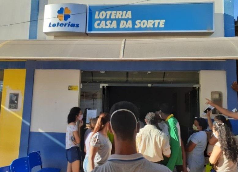 Homem é esfaqueado no Piauí em loteria ao ir sacar auxílio emergencial