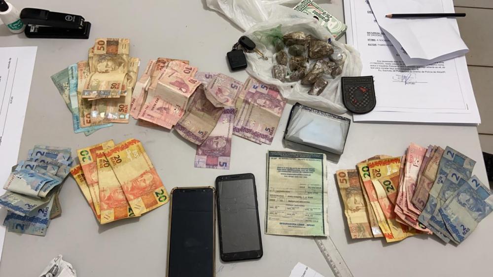 Motorista de aplicativo é preso acusado de tráfico de drogas em cidade do Piauí