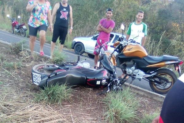 Homem fica ferido em acidente com moto na rodovia que liga Hugo Napoleão a Água Branca