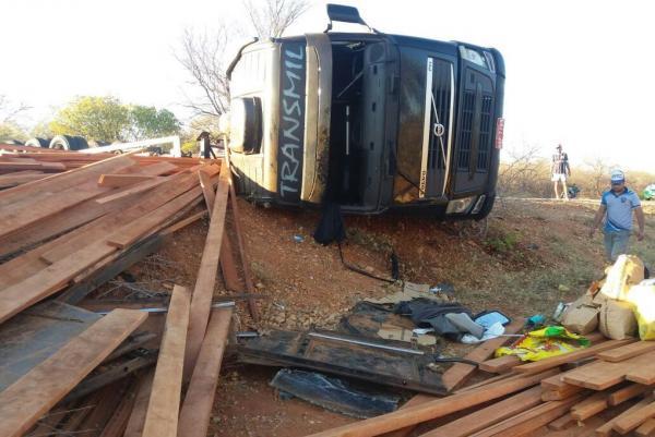 Criança de 1 ano morre após ser esmagada por carga de madeira em cidade do Piauí