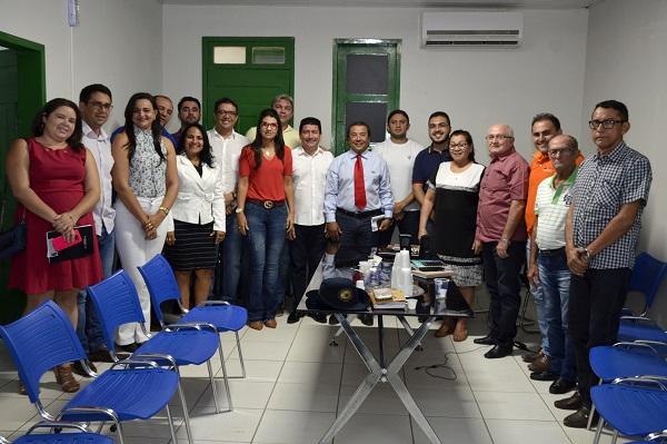 Prefeito Jonas Moura reúne secretariado e traça estratégias para o desenvolvimento de Água Branca