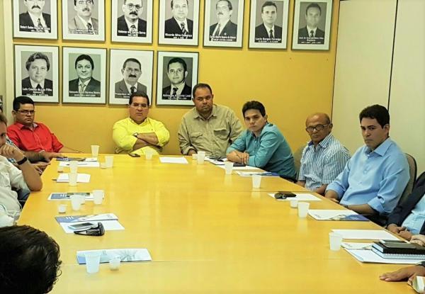 Reunião com prefeitos define nova data para abertura da II Copa Ampar de Futebol