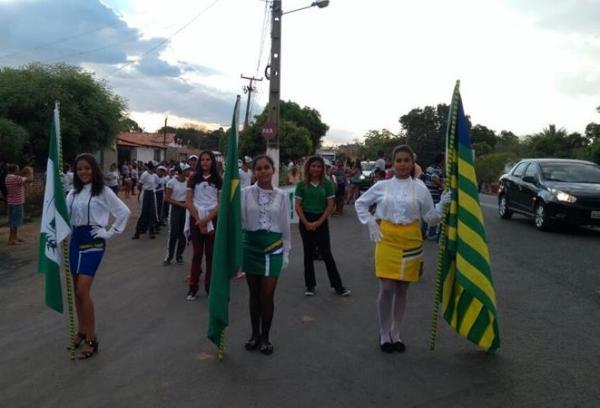 Após 4 anos, Desfile Cívico do 7 de Setembro volta a ser realizado em Barro Duro