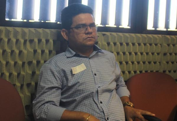 TRE-PI julga improcedente denúncia contra prefeito de Francisco Ayres, Valkir Nunes