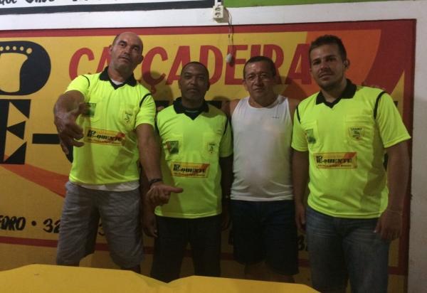 Empresário Antônio Pé Quente doa material esportivo para árbitros da II Copa Ampar de Futebol