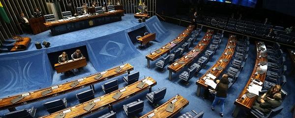 Senado realiza votação para a proibir aplicativos como Uber, 99 e Cabify