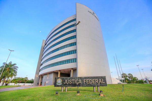 Juiz condena ex-prefeito de São Miguel da Baixa Grande, Osmar Teixeira, ao pagamento de R$ 321 mil