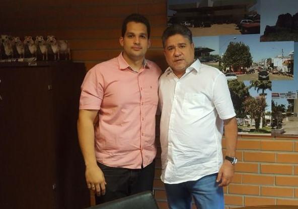 Vereador Francisco Emanoel se reúne com deputado João Madison para tratar de demandas para Água Branca