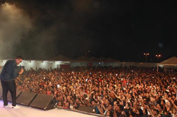 Anderson Freire reúne milhares de pessoas em evento gospel em São Raimundo Nonato