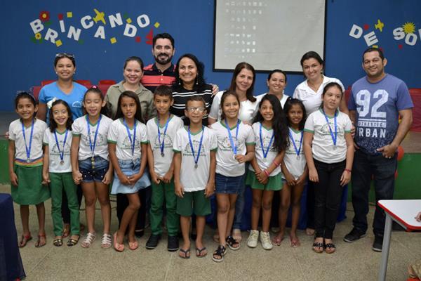 Brincando de Soletrar: Projeto auxilia na alfabetização de crianças em Água Branca