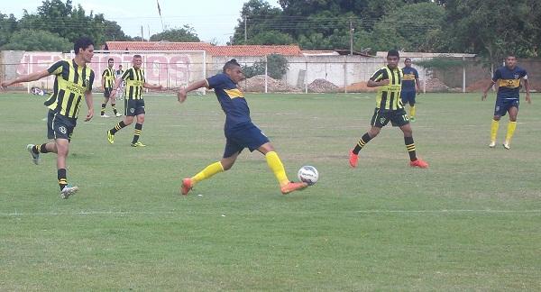 Jogo entre Boca Junior de Teresina e seleção de Padre Marcos (Imagem: Canal 121)