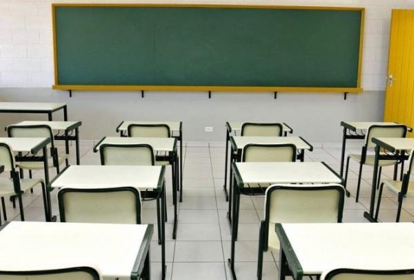 Em Demerval Lobão, mãe acusa professor de pagar alunas para irem a aula sem calcinha