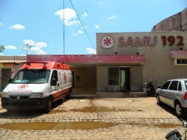 Mulher dá à luz em calçada por falta de ambulância do Samu em Picos