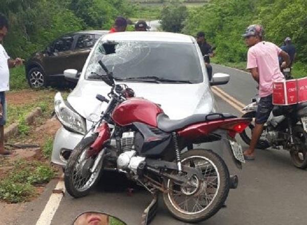 Ex-vereador de Hugo Napoleão fica ferido em acidente na rodovia PI 236, próximo a Água Branca