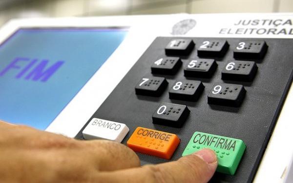 Fundo para campanhas tira R$ 472 milhões da saúde e educação