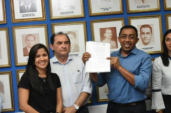 Prefeitura de Floriano lança edital do Programa de Residência de Medicina de Família e Comunidade