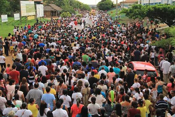 Procissão de encerramento do festejo de Regeneração reúne cerca de 10 mil fiéis