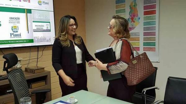 Prefeita Neta Santos se reúne com secretária Rejane Dias e trata sobre demandas para Educação de Angical