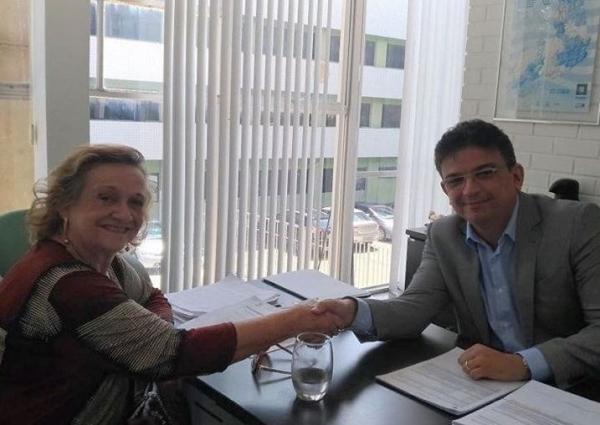 Neta Santos se reúne com secretário da Setrans e trata sobre obras de pavimentação asfáltica em ruas de Angical