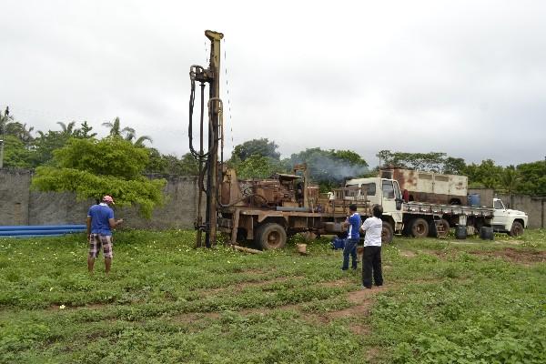 Prefeitura de Monsenhor Gil inicia trabalho de recuperação do Estádio Municipal Artuzão