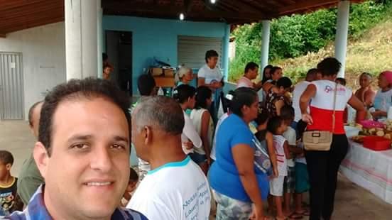 Prefeito Diego Teixeira acompanha abertura dos festejos do bairro Areias