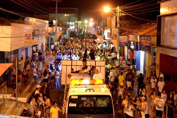 Bloco dos Paredões marca abertura do Carnaval 2018 em Água Branca; veja imagens